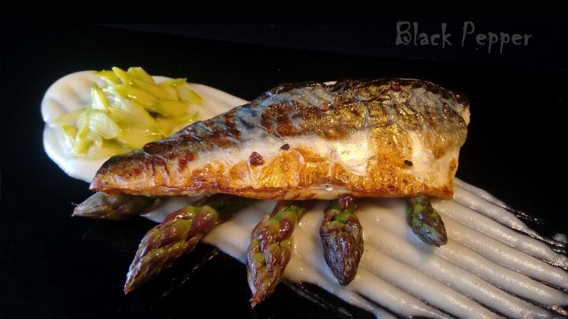 Asparagus and Mackerel