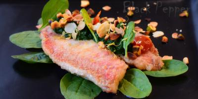 Red Mullet with Spinach Sauce and Nuts